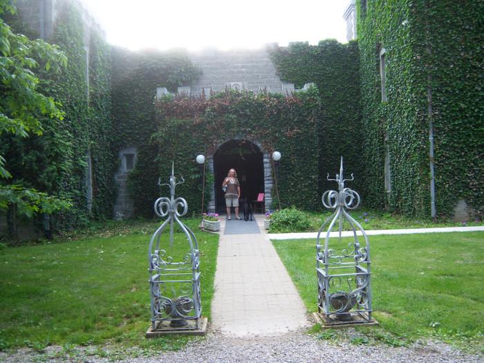 6) Ravenwood Castle