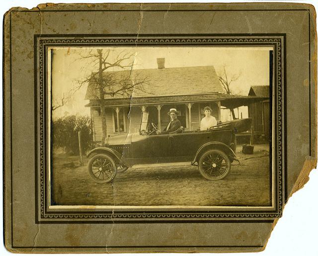 2) R.L. (Lee) Jones and Julia Wilkins Jones in their car in Poolville, Texas in 1917.