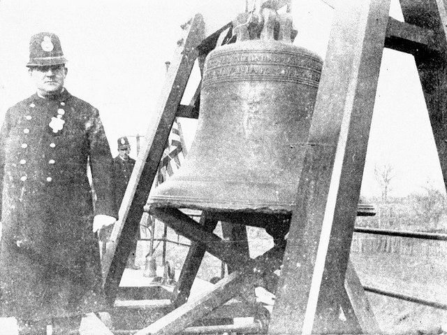 6. The Liberty Bell in transit to the St.  Louis World Fair, 1904
