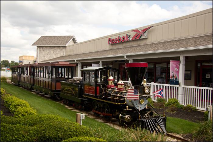 5) Lodi Station Outlets  (Burbank)