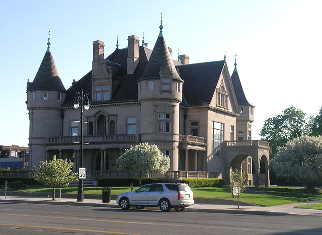 11) Hecker House, Detroit