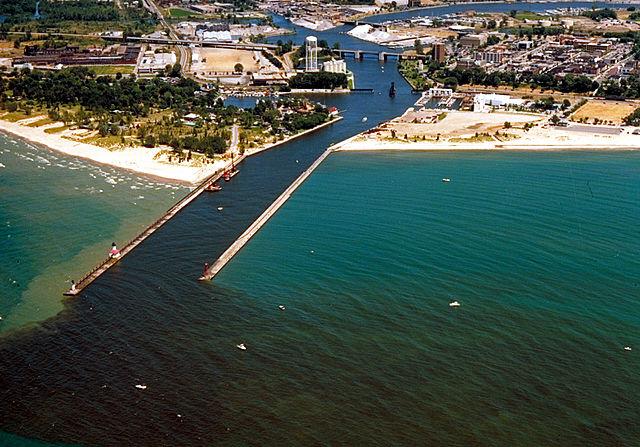 640px-St_Joseph_Michigan_aerial_view