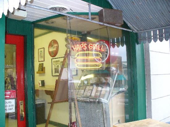 1. Hap's Grill, Salisbury