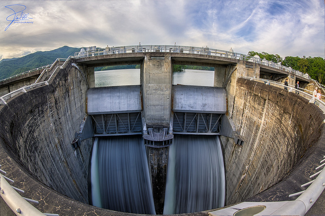 8. At 480 ft. high, Fontana Dam is the tallest dam in the Eastern United States.