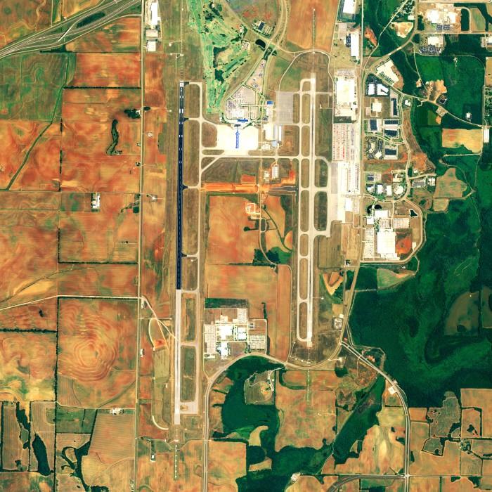 6) Huntsville International Airport