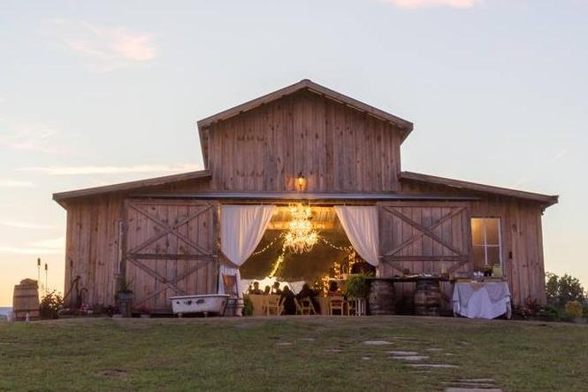 Barn at Drewia Hill - barn wedding venues tn