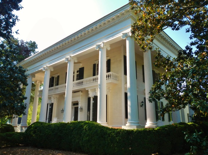 15 historic houses in georgia that 39 ll leave you amazed for House builders in ga