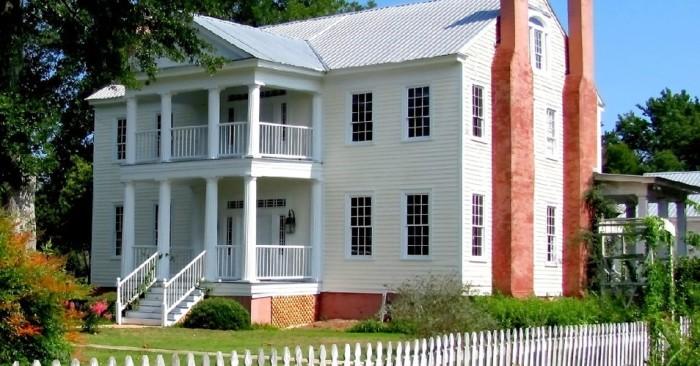 5. Black Thistle Plantation Home