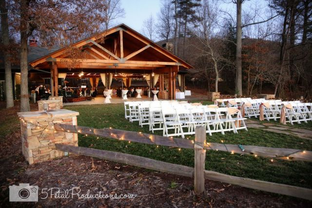 http://www.brasstownvalley.com/weddings/wedding-packages/