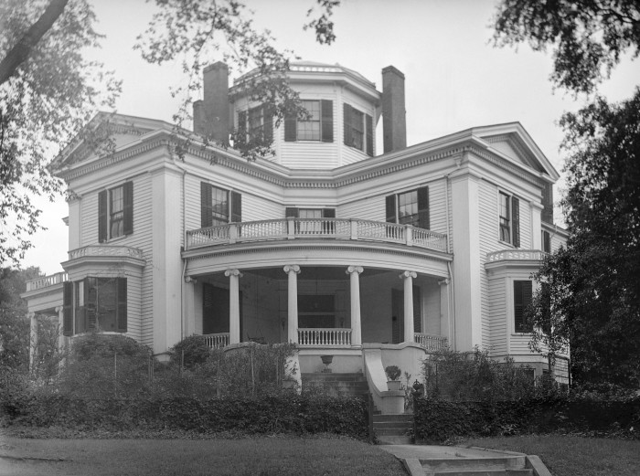 15 historic houses in georgia that 39 ll leave you amazed for Home builders macon ga
