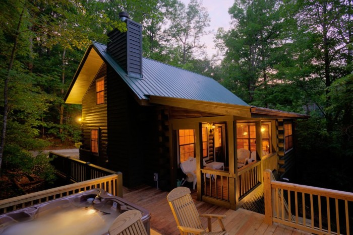 The Glass House Cabin In Georgia : Mountain cabins tree houses in georgia you won t believe