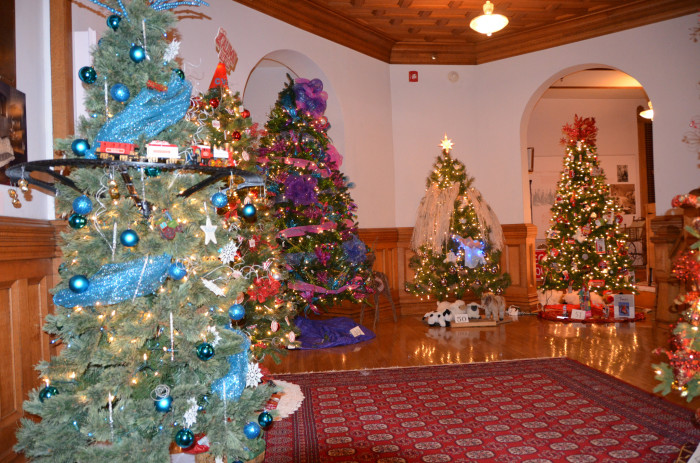 6. Christmas: an Olde English tradition (with a little German thrown in for good measure)