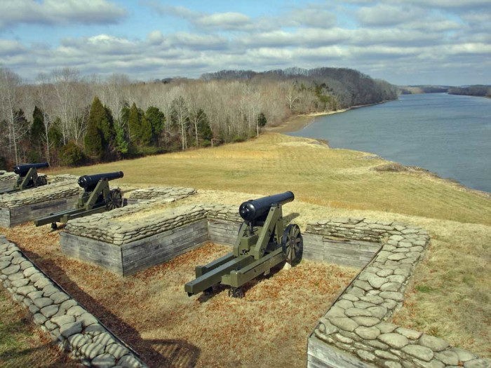 8) Fort Donelson - Dover: