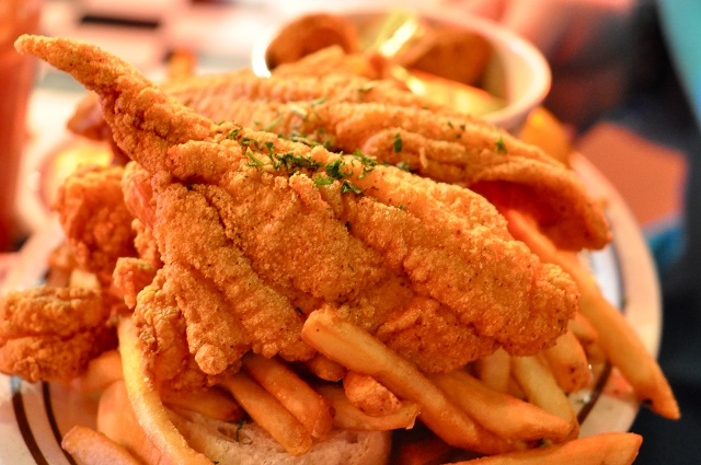 What alabama is known for 26 foods we love in alabama for Fried fish and shrimp