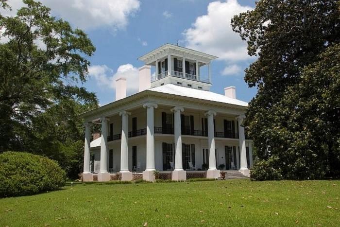 10 oldest surviving plantation homes in alabama for Plantation home builders