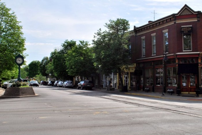 3. LaGrange is another part of Kentucky that still has plenty of undeveloped land and a small town community feel. Residents of LaGrange will tell visitors it's a serene place to call home.