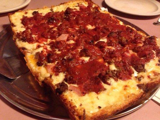 7) Loui's Pizza