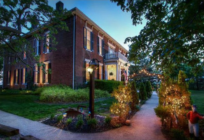 11. Maple Hill Manor was built in 1851 by slaves, but is now a bed and breakfast. Visitors and residents claim unexplained footsteps and door knocks occur nightly. It is said to be haunted by both soldiers and the original owners.