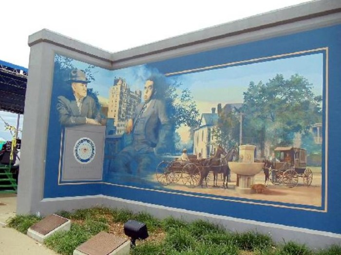 6. The Paducah Flood Wall murals offer a unique glimpse of the history of the town, and yes, their actually on the flood wall.