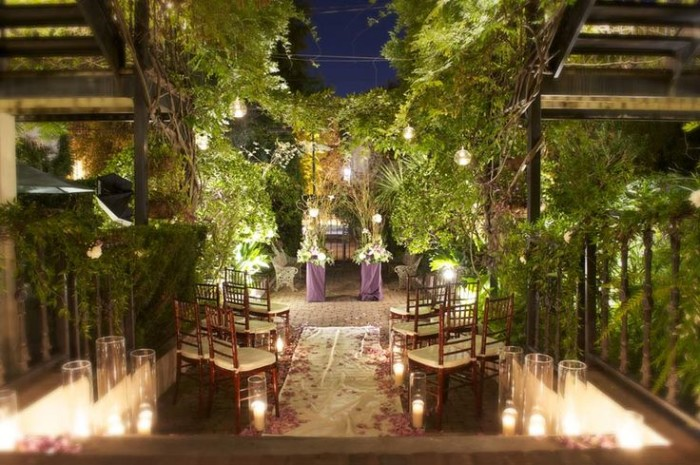 15 epic spots to get married in georgia thatll blow your guests away dresser palmer house in savannah ga junglespirit Gallery
