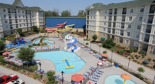 4) Pigeon Forge Waterpark - Pigeon Forge