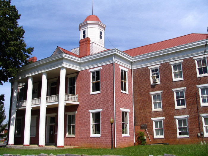 6) Old Roane County Courthouse - Kingston