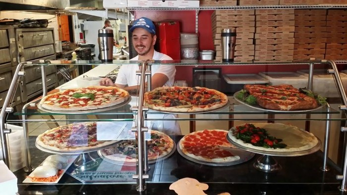 Salvatores Pizzeria