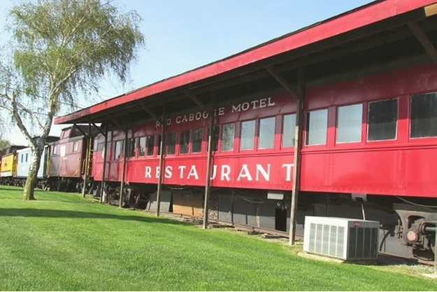 2. Red Caboose Motel and Restaurant, Ronks