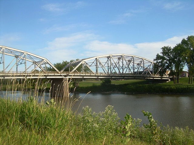 6. Sorlie Memorial Bridge, which connects the cities of Grand Forks, North Dakota and East Grand Forks, Minnesota