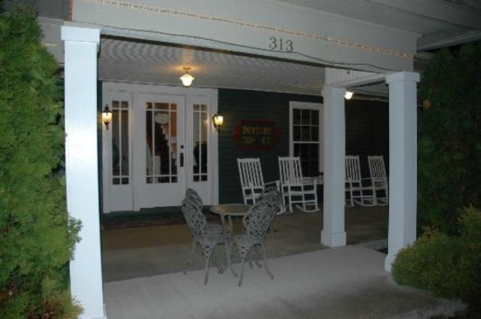 2. The Potter's Inn B&B in Wilmore offers guests a quiet night in a renovated farm house from the Victorian Era. The Apple syrup served there is renowned.