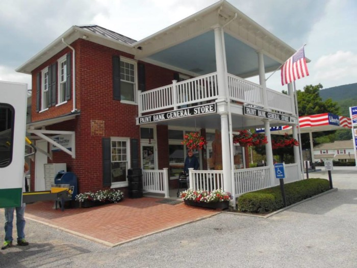 7. The Swinging Bridge Restaurant at the Paint Bank General Store, Paint Bank