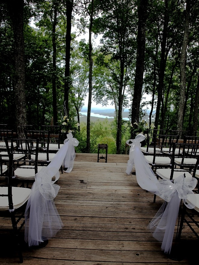 15 epic spots to get married in georgia thatll blow your guests away httptreehouseofblueridgepackages junglespirit Gallery