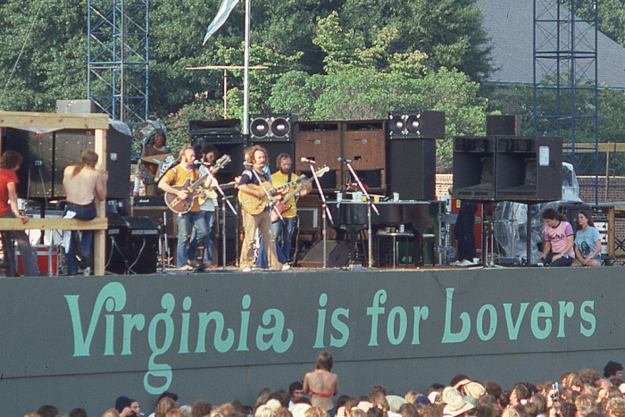 """9. Had to explain """"Virginia is for Lovers"""" to an out-of-stater."""