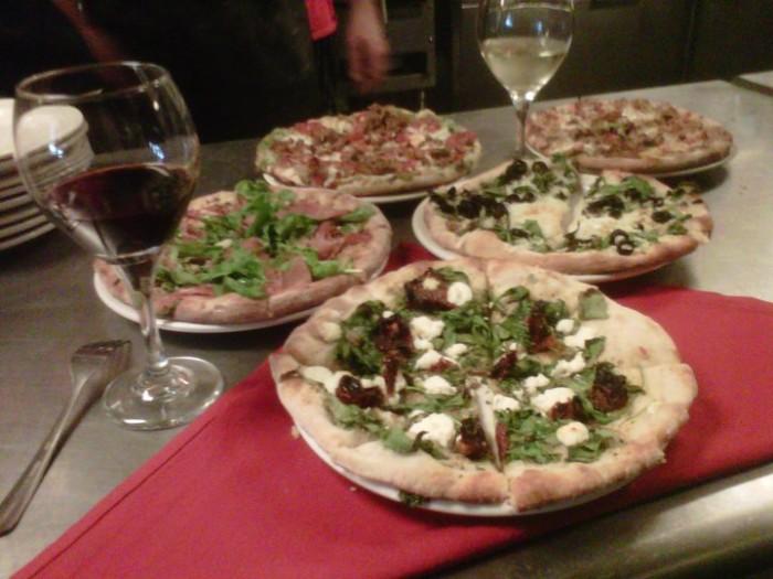 Vito's Italian Kitchen PIzza