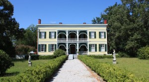 10 Surviving Plantation Homes In Alabama That Take You To The Past