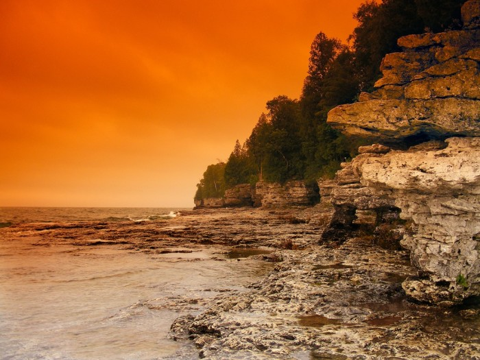 2. Cave Point (Door County) is known for its underwater caves.