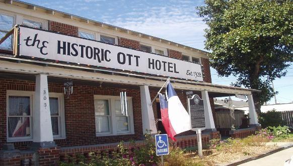1) Historic Ott Hotel - Liberty