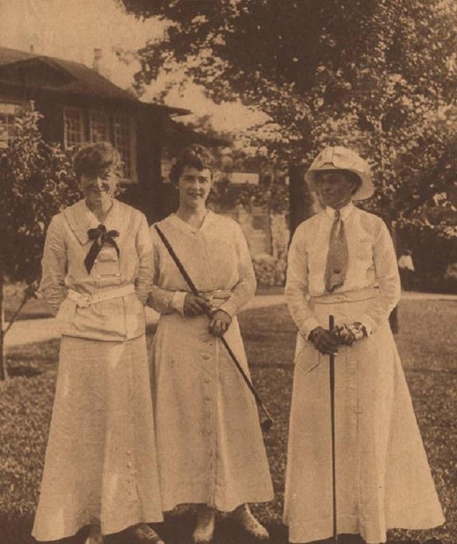 8. Women golfers in Birmingham, 1915