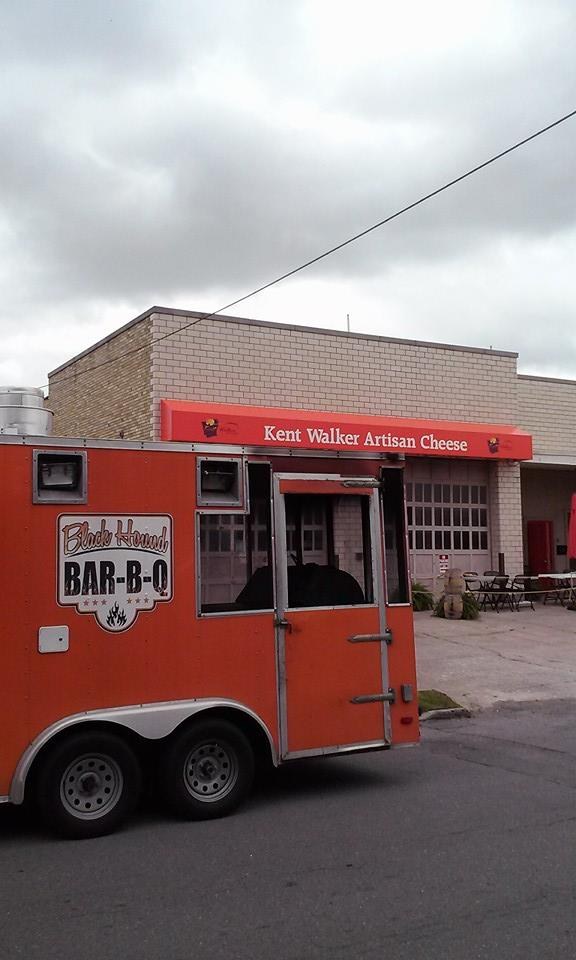 11. Black Hound BBQ: This central Arkansas food truck offers delicious, fall-off-the-bone barbecue!