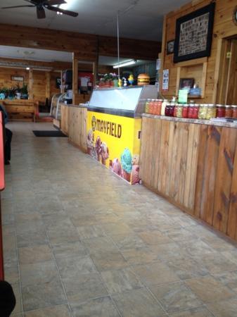 Sue's Cafeteria & Ice Cream, 3855 E 1st St, Blue Ridge, GA 30513