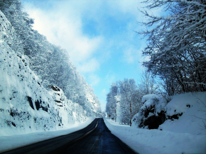 10) This beautiful snow scene was captured somewhere in Crany, WV.