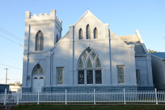 8. Echols Memorial Christian Church: Now home to the Vietnamese Baptist Church, this church is a historic building located at 2801 Alabama Avenue in Fort Smith, Arkansas.
