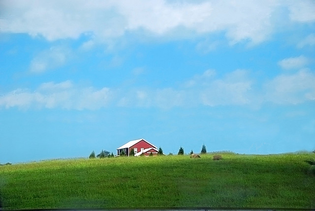 Enjoy the ride. One of the neatest parts about road trips? No two are the same. Stop and take pictures of that pretty barn or the bubbling creek. It's Tennessee - we promise every inch is pretty much stunning.