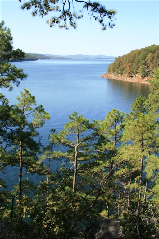 10. Lake Ouachita: This reservoir near Hot Springs, Arkansas was created by the damming of the Ouachita River by Blakely Mountain Dam.