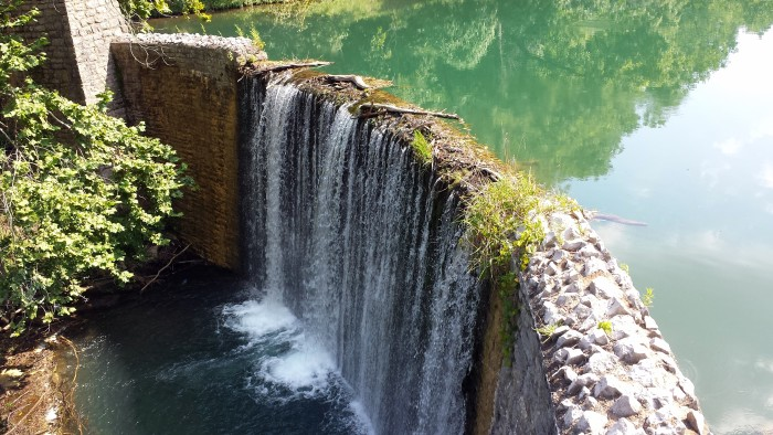 10. Mirror Lake: This three-acre rainbow trout haven is constantly fed by the 58-degree water flowing from Blanchard Springs Caverns, 14 miles north of Mountain View, Arkansas.
