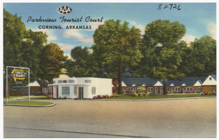 """11. Parkview Tourist Court: This tourist court in Corning, Arkansas is another example of the popular """"tourist court"""" boom among travelers of the 1950s and 60s."""