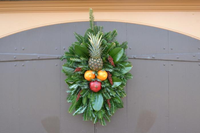 11. Pineapples Décor
