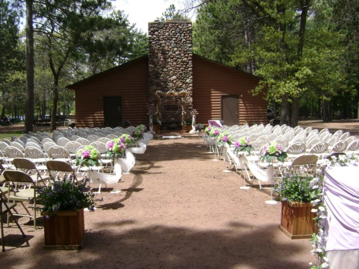 15 Epic Spots To Get Married In Wisconsin Thatll Blow Guests Away