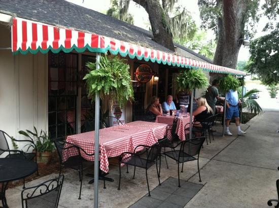 Sal's Neighborhood Pizzeria , 3415 Frederica Rd, Saint Simons Island, GA 31522