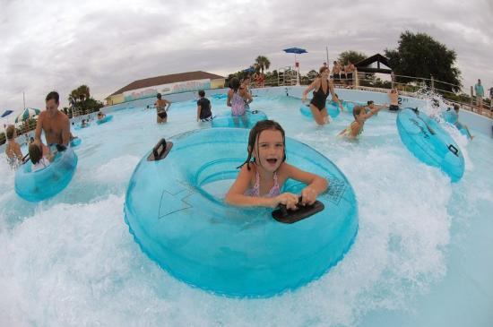 8 awesome water parks in georgia to stay cool this summer - Summer waves pool ...